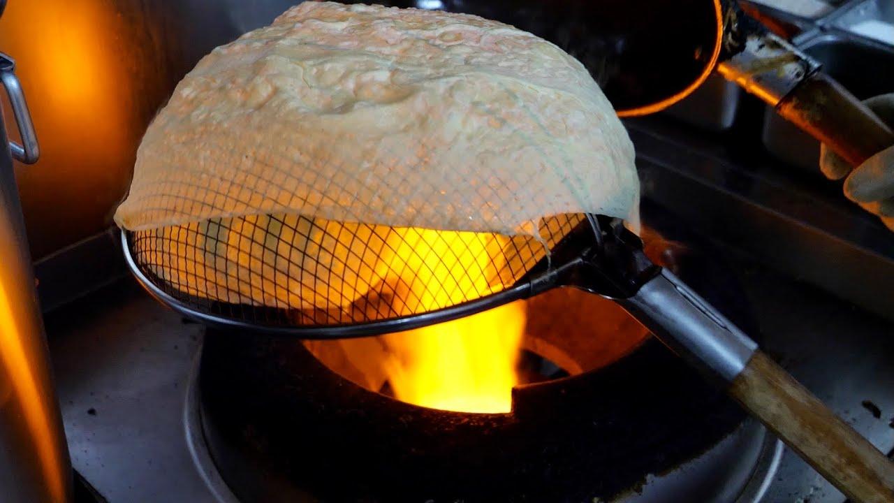 The amazing skill of making fried eggs / 1초 계란지단 만들기 달인의 속 꽉찬 계란튀김 - Korean street food