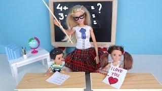 ТАЙНЫЙ ПОКЛОННИК Мультик #Барби Про Школу Школа Девочки играют в Куклы