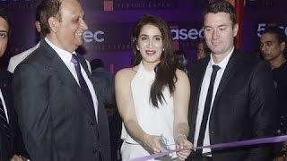 Sagarika Ghatge Inaugurates 5aSec Textile Expert Store
