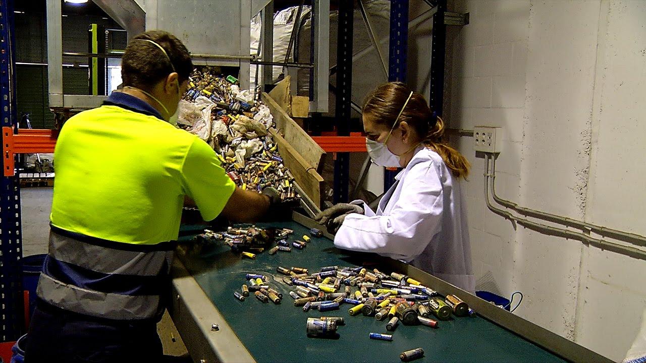 Resultat d'imatges de planta reciclaje baterias