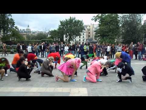 Holy Flashmob B@man - Paris, France - 03.06.2012