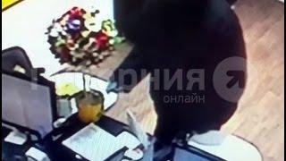 Напавшим на работниц офиса быстрых займов оказался хабаровский наркоман.MestoproTV