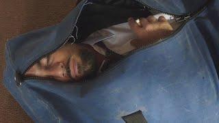 【喵嗷污】男子不小心捅死了从未来穿越回来的自己,他却很淡定的把自己埋了《无限循环》几分钟看冷门烧脑科幻片