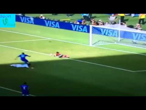 Amazing save from Buffon against Uruguay (Suarez) #worldcup