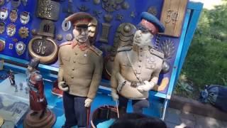 В центре Одессы торговец запрещенными сувенирами предложил себя расстрелять