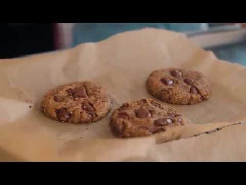 Deliciously Ella Vegan Chocolate Chip Cookies | Gluten Free