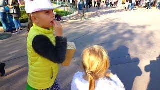 Салют в День Рождения Шоу МУЛЬТИКОВ Принцессы Диснея  ДИСНЕЙЛЕНД Париж Toys For Kids video