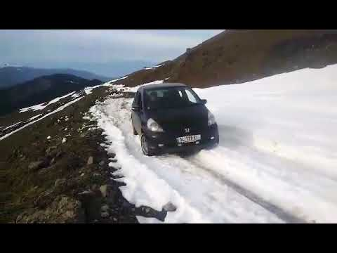 Honda fit 4x4 in snow youtube for Honda fit in snow