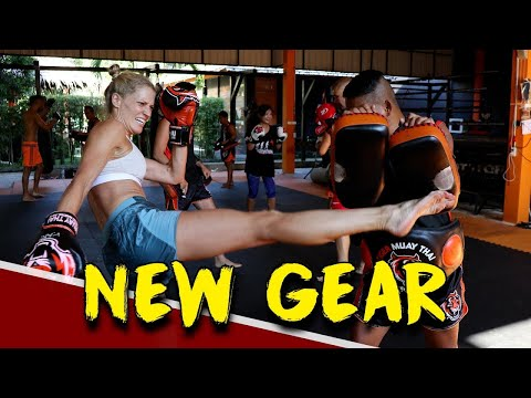 TIGER MUAY THAI VLOG (BUYING THE GEAR & CUSTOM MUAY THAI SHORTS!!) | FITNESS STREET VLOGS