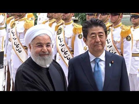 安倍首相がイラン訪問 ロハニ大統領らに出迎えられる