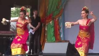 Tari Panyembrama by Desyana & Amandine - Eid Festival 2016 at Trafalgar Square London UK