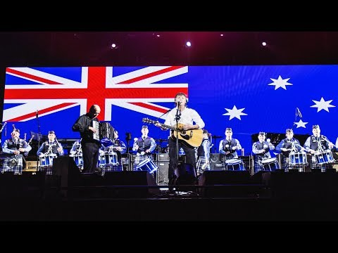 Paul McCartney with the WAPOL Pipe Band - Mull Of Kintyre [Live at nib Stadium, Perth - 02-12-2017]