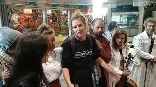 Смотреть видео Театр Gajes/Нидерланды. Одиссея. Театральная олимпиада. СПб.15/06/19 Метро онлайн