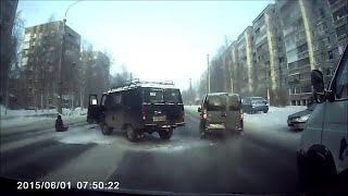 Выпал из машины от неожиданности. Архангельск.
