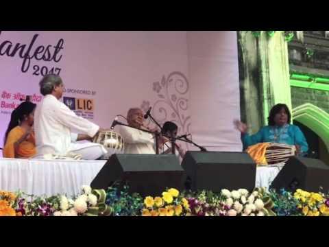 Pt. Bhawani Shankar Performing With Pt. Hariprasad Chaurasia