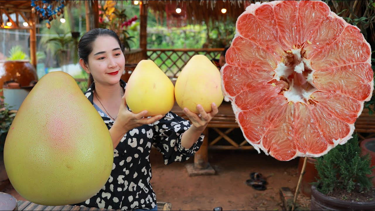 Download Bring red pomelo fruit home and enjoy salad   Pomelo fruit drinking   Juicy fruit eating