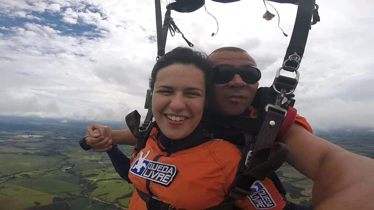 Salto de Paraquedas da Larissa na Queda Livre Paraquedismo 12 01 2017