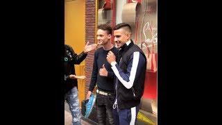 Boef koopt Louboutin voor een fan!!
