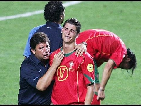 Cristiano Ronaldo When The Hero Crying Youtube