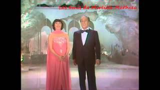 Mireille Mathieu et Tino Rossi - Petit Papa Noël - 1979  HD