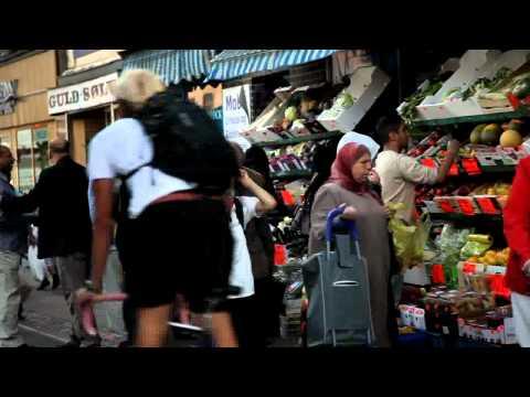 COPENHAGEN HANDHELD #10 Grønthandler (greengrocer shop), Nørrebrogade