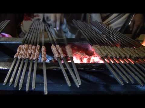 Bhaiye dey kabab | Lahore Street Food | Lamb Kebabs (Tastes of Pakistan)