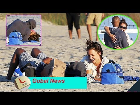 Katie Holmes and Jamie Foxx are sweet at dating and Play Beach Volleyball