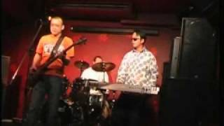 BigyellowBand performs Glass British Chinese Indie Pop Band @ the Comedy, London