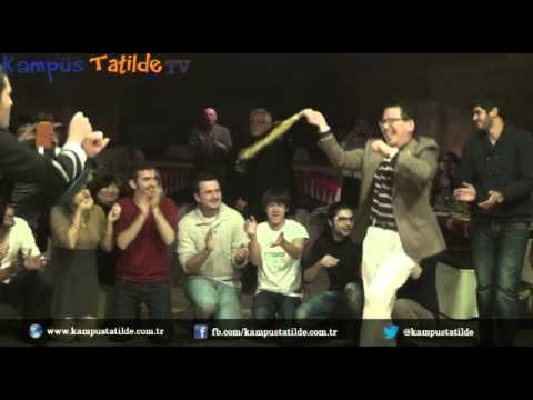 Koreli Turist Türk Halayı ile Gangnam Dansını Birleştiriyor.   Korean Tourist Gangnam Style
