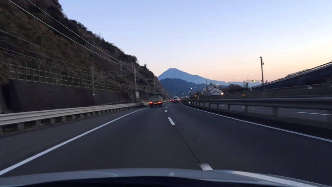 東名高速景色