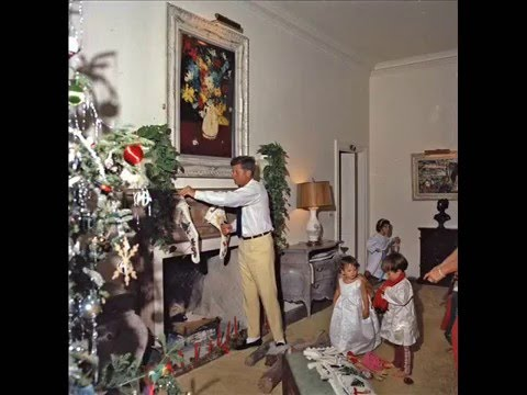 KENNEDY SLIDESHOW #1 -- CHRISTMAS DAY WITH THE KENNEDYS AT PALM BEACH, FLORIDA (DECEMBER 25, 1962)