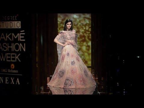 Kriti Sanon Walks For Tarun Tahiliani | Spring/Summer 2018 | Lakme Fashion Week