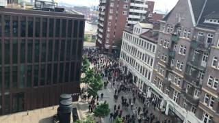 Video G20 Hamburg, Angriff auf Empire Riverside Hotel, 07.07.2017 download MP3, 3GP, MP4, WEBM, AVI, FLV Januari 2018