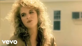 Trisha Yearwood - She's In Love With The Boy (Official Video)