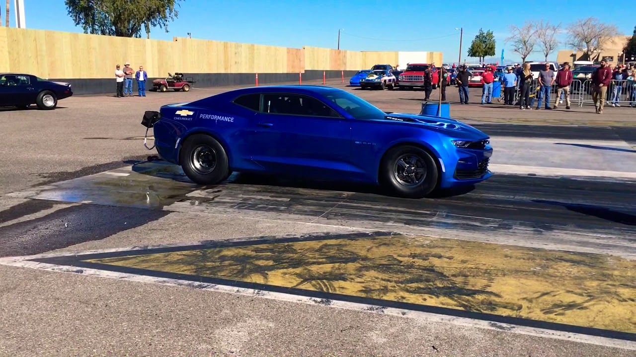 Chevy eCOPO Camaro does a wheelie at the drag strip | Autoblog
