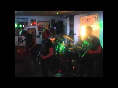 SKELLEL - cover nirvana - 27/04/13 guest jerem drum