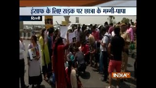 Delhi school girl suicide: Massive traffic jam at NH-24 due to ongoing protest by parents