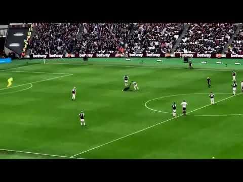 West Ham United vs Burnley 10 March 2018 || West Ham Fans Fight each invasion