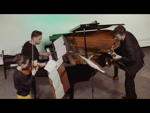 Dmitri Mazurov - Street lights flicker, performed by A-trio, Domforum Cologne
