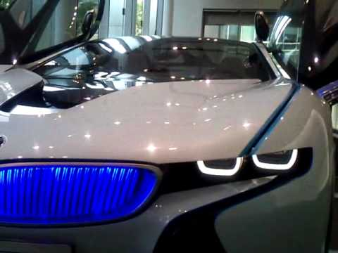 【間近で撮影しました】BMW Vision Efficient Dynamics Concept Car in Tokyo Group studio