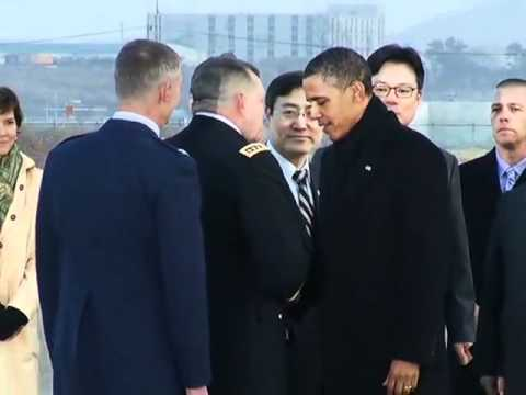President Obama Arrives in Korea and Greets Dignitaries 오바마