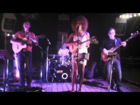 Lois Mahalia - Fast Car (music and Lyrics by Tracy Chapman)