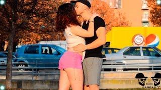 BESANDO a Desconocida ♥ KISSING PRANK - Retos de Suscriptores Parte 3 - Broma Camara Oculta