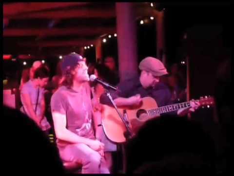 American Idol Finalist Elliott Yamin Acoustic guitar Performance ...