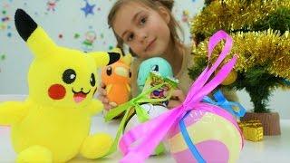 Видео для детей. Наряжаем елку вместе с Покемонами