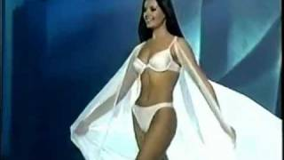 Oxana Fedorova ( Russia ), Miss Universe 2002 ( Dethroned ) - Swimsuit Competition