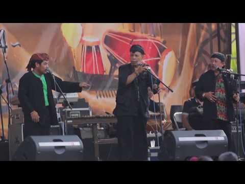 Beluk (Pentas Akbar Musik Sunda PANARATAS 2014)