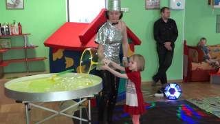 Шоу мыльных пузырей(, 2013-04-30T04:41:14.000Z)