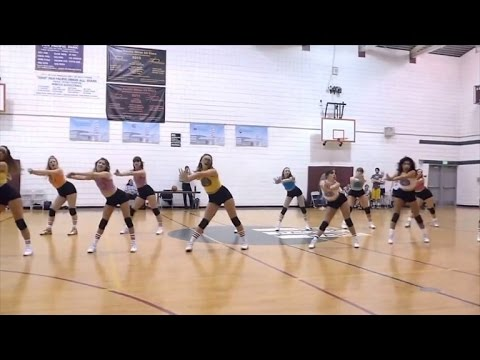 Two Commentators Hilariously Narrate A Dance Team's Halftime Performance