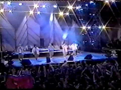 Backstreet Boys - 1996 - Hot Summer Night (Germany) Concert (@_BoysOnTheBlock)